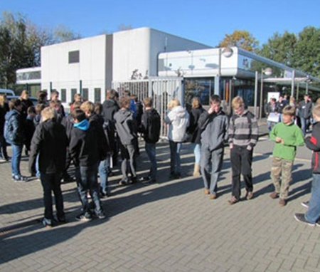 Industrie Event Besucher Kinder